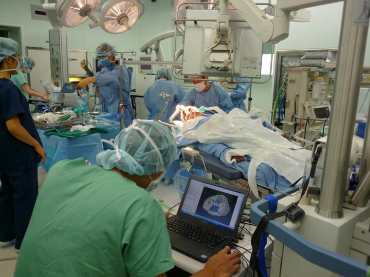 نقشه برداری با CortiQ در حین جراحی