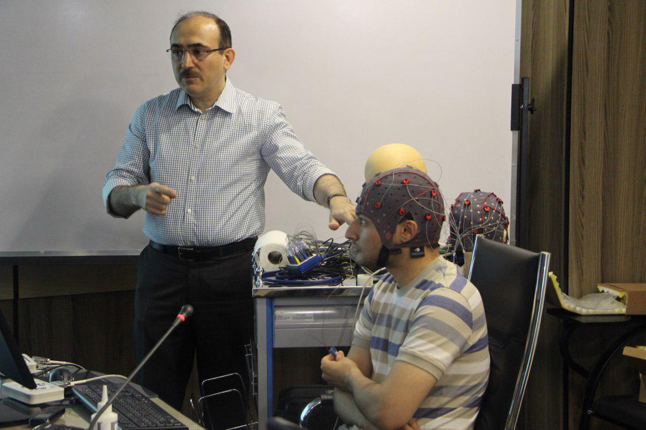 چهارمین کارگاه پیشرفته ثبت،تحلیل و پردازش سیگنالهای مغزی